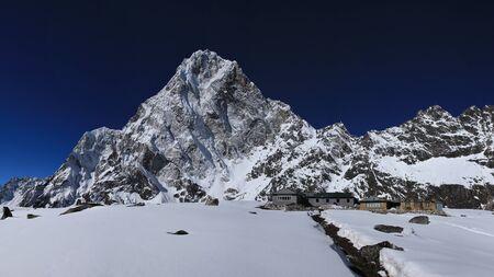 lodges: Cholatse and lodges in Dzonglha
