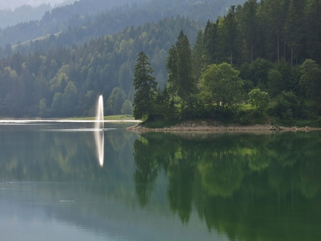 glarus: Spout on lake Obersee
