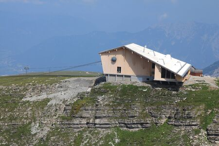 st gallen: New summit station of the Chaeserrugg cable car Editorial