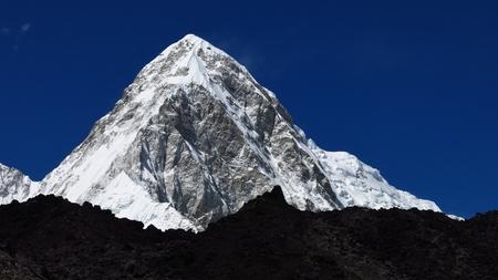ri: High mountain Pumo Ri