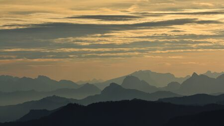 mountain ranges: Mountain ranges in central Switzerland at sunrise