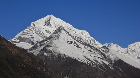 snow capped mountains: Snow capped mountains in the Everest National Park