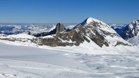 canton berne: Ski slope on the Glacier De Diablerets