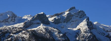 saanenland: Snow covered mountain Schlauchhorn