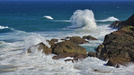 australasia: Scene at the pacific coast in Port Macquarie, Australia. Turquoise water and splashing wave.