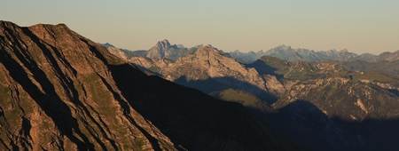 the bernese oberland: Mountain ranges in the Bernese Oberland. View from Mt Niesen. Summer scene in the Swiss Alps.