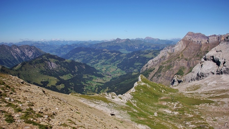 saanenland: Landscape in the Bernese Oberland. Saanenland valley. Summer scene in the Swiss Alps. Stock Photo