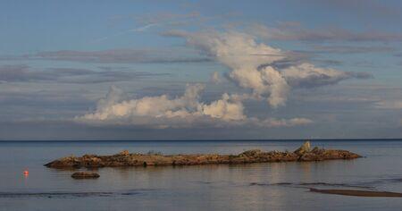 Scene on a summer afternoon in Vita Sannar, Sweden. Standard-Bild