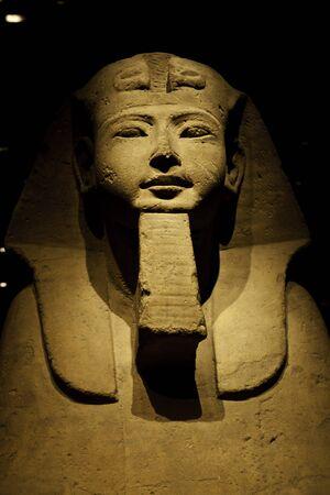 pyramide egypte: Sphinx �gyptien, utile pour les concepts li�s � myst�re Banque d'images