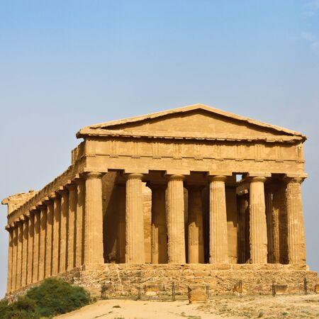 Temple of Magna Grecia, Valle dei Templi, Sicilia, Italia photo