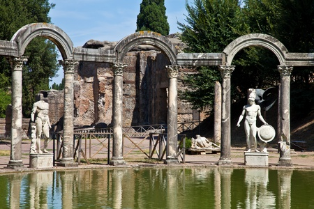 Villa Adriana in Tivoli - Italy. Example of classic beauty in a roman villa. Imagens
