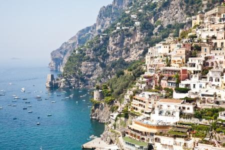 Positano ist ein Dorf und Gemeinde an der Amalfiküste (Costiera Amalfitana), in Kampanien, Italien. Lizenzfreie Bilder