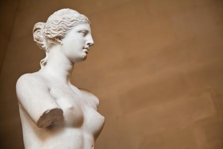 """diosa griega: Estatua de la diosa griega Afrodita, descubierto en la isla de Melos (""""Milo"""", en griego moderno), el Museo del Louvre, Par�s"""
