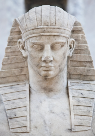 Tipical iconic statue of Egyptian male model Stock Photo - 13638161