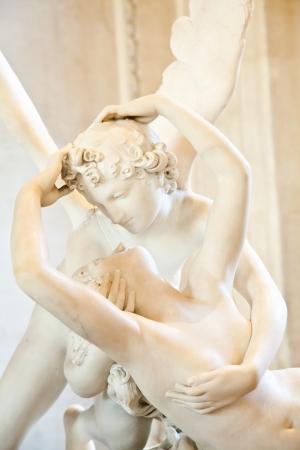 Psyche Antonio Canova w posąg ożywiony przez Pocałunek Amora, pierwsze zlecenie w 1787 roku, jest przykładem neoklasycystycznym nabożeństwo do miłości i emocji Zdjęcie Seryjne - 13824516