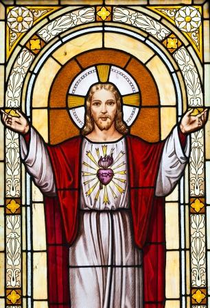 sacre coeur: Italie. L'image de J�sus dans un vieux cimeti�re. Vieux tombeau, pas besoin de release copie. �ditoriale