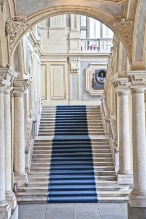 イタリア ・ トリノ。パラッツォ マダマ宮殿の内部