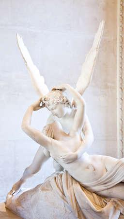 Antonio Canovas Statue Psyche durch Amors Kuss, erste im Jahr 1787 in Auftrag gegeben, ein Beispiel für die neoklassizistische Revived Hingabe an die Liebe und Emotion