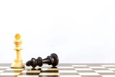 エレガントな Stauton スタイルのチェスの駒とチャレンジのコンセプト 写真素材