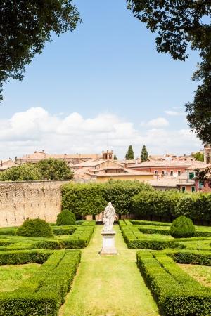 san quirico: Italy, Tuscany region, San Quirico. Famous Italian garden of Orti Leonini