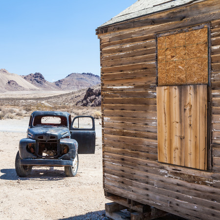alene: Rhyolite is a ghost town in Nye County, in the U.S. state of Nevada Stock Photo