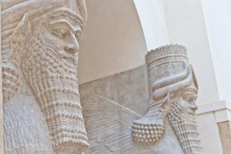 glorify: Dating back to 3500 B.C., Mesopotamian art war intended to serve as a way to glorify powerful rulers and their connection to divinity Stock Photo