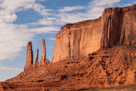 navajo land: Complementary colours blue and orange in this iconic view of Monument Valley, USA