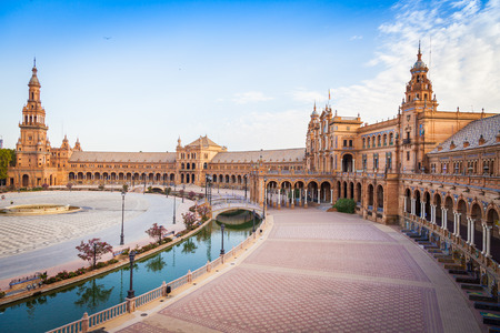 Spain, Seville. Spain Square, a landmark example of the Renaissance Revival style in Spanish architecture Редакционное