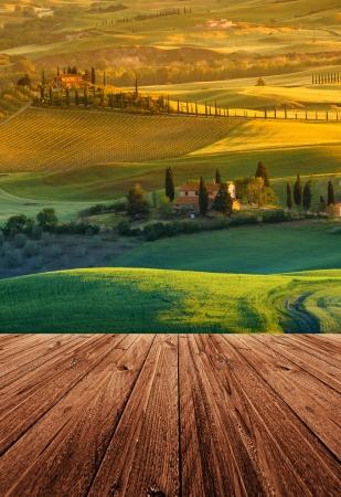 Landschap in Toscane met houten vloer