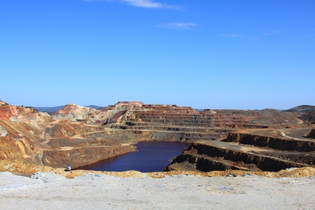 metallic stairs: Iron pyrite, Corta Atalaya, the largest open pit mine in Europe, Minas de Riotinto, Nerva  Huelva province, Andalusia, Spain Stock Photo