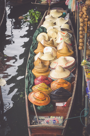saduak: Traditional floating market in Damnoen Saduak near Bangkok Stock Photo