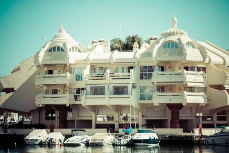 literas: BENALMADENA, ESPAÑA - MAYO 5,2013: Vista de Puerto Marina en Benalmádena, Costa del Sol Málaga, España. Esta marina tiene amarres para barcos 1100. Fue inaugurado en 1987.
