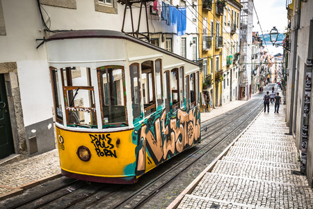 electrico: Lisbon,Portugal-April 12,2015:Ascensor da Bica bairro alto lisboa, portugal