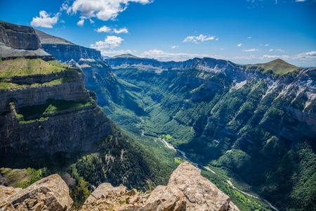 Canyon in Ordesa Nationalpark, Pyrenäen, Huesca, Aragonien, Spanien