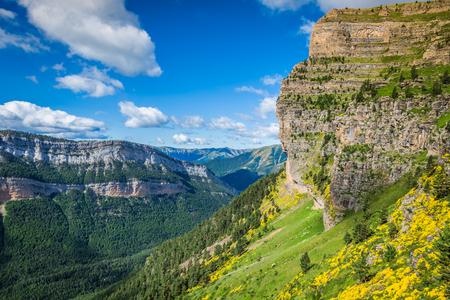 有名なオルデサ国立公園、スペイン、ピレネー山脈の美しい風景は。