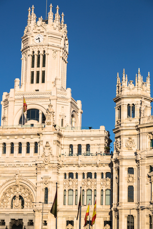 Plaza de la Cibeles (Cybeles Square) - Central Post Office (Palacio de Comunicaciones), Madrid, Spain. Foto de archivo
