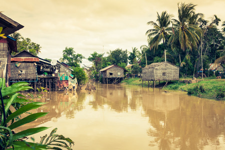 Typical House on the Tonle sap lake,Cambodia. Foto de archivo - 97861795