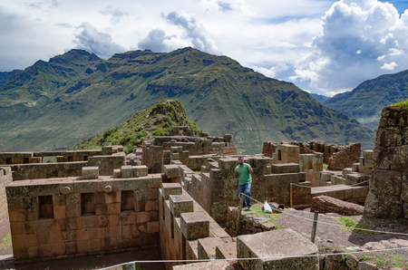 Ruins of the Temple of the Sun at Pisac in the Sacred Valley in Cusco - Peru Imagens
