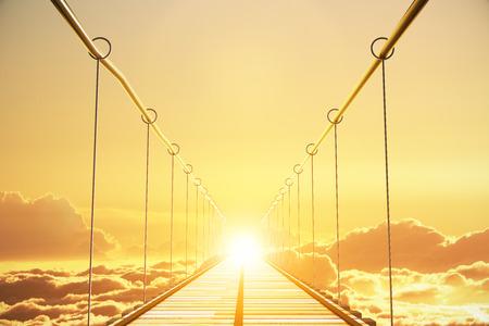 Houten brug in de wolken gaan tot zonsondergang, concept
