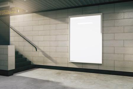 Leere weiße Billboard in der U-Bahn, Mock-up Standard-Bild - 48343784