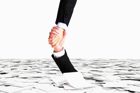 Enerzijds helpt niet te zinken in de zee van papier, bureaucratie begrip