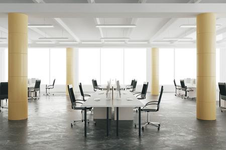 Freiraum für Büro in Loft-Stil Hangar mit Fenstern im Boden Standard-Bild - 49254866