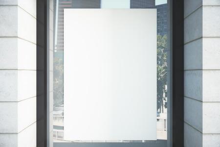 Leere weiße Poster auf dem Fenster, Mock-up Standard-Bild - 50384367