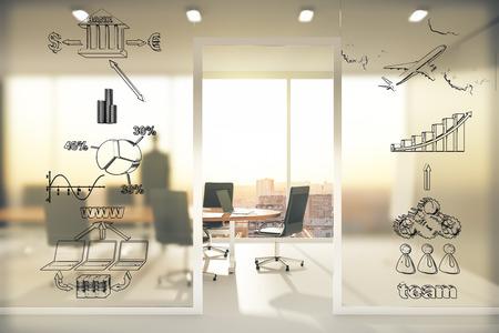 sala de reuniones: concepto de esquema de negocios en la pared transparente en sala de conferencias en la puesta del sol