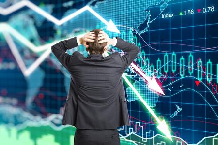 crisis economica: Ilustración del concepto de la crisis con un hombre de negocios en pánico