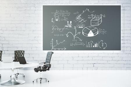 Salle de réunion avec tableau noir, avec le concept de système d'entreprise Banque d'images - 52285806
