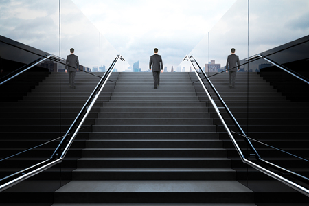 Schwarze Treppe in Fußgängerunterführung mit dem Geschäftsmann. 3D übertragen Lizenzfreie Bilder