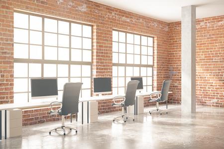 Zijaanzicht van coworking kantoor interieur met computers, betonnen vloer, rode bakstenen muren, zuilen en ramen. 3D Rendering