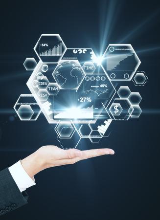 추상 비즈니스 홀로그램을 들고 사업가 손의 측면보기. Fintech 개념입니다. 3D 렌더링