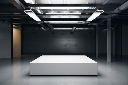Vooraanzicht van het lege podium in het donkere magazijn interieur. Mock up, 3D rendering